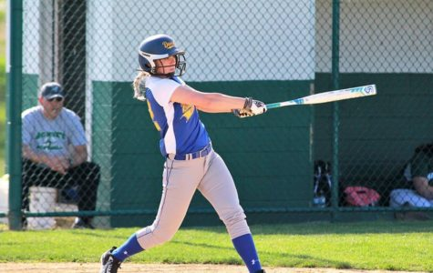 Softball team wins third straight