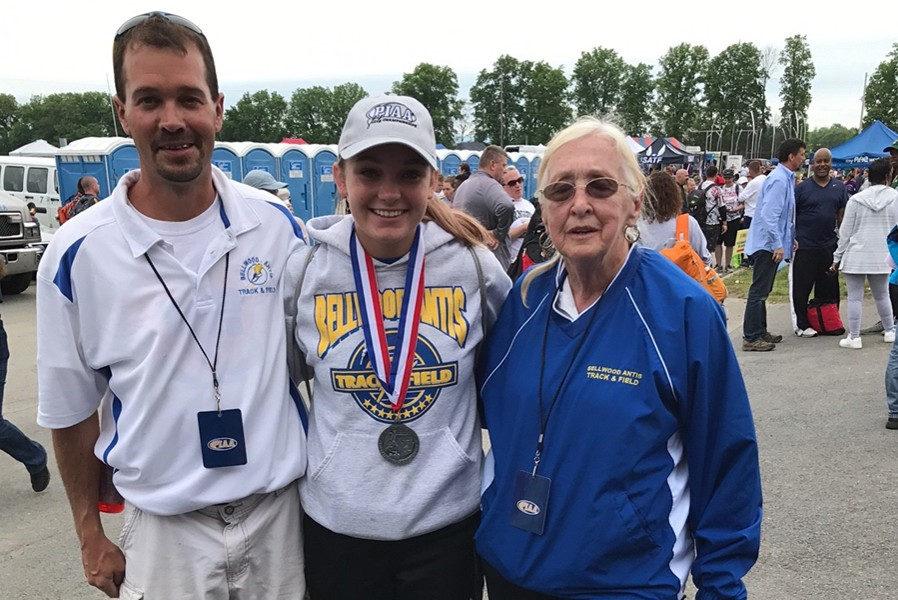 Alexis+Gerwert+earned+a+silver+medal+in+the+pole+vault+at+the+PIAA+championships.