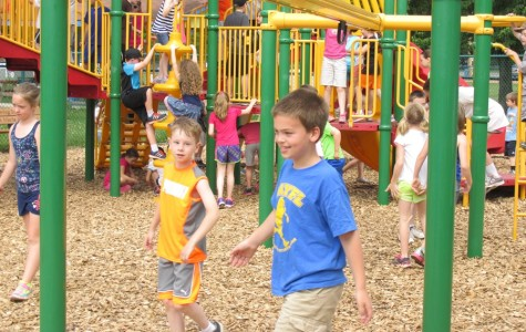 Myers Second Graders Picnic and Play