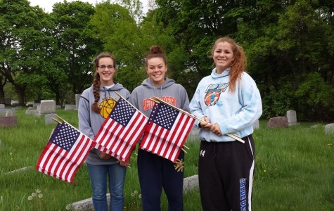 NHS Members Honor Veterans