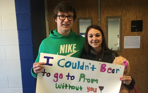 "Early ""promposals"" are the rage at Bellwood-Antis"