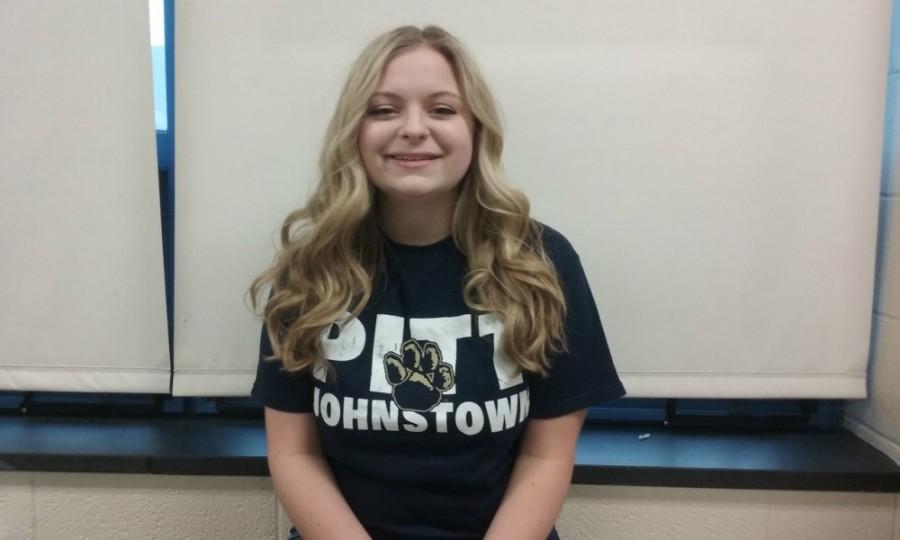 Senior, Emily Hoover, shows her Pitt Pride. #H2P