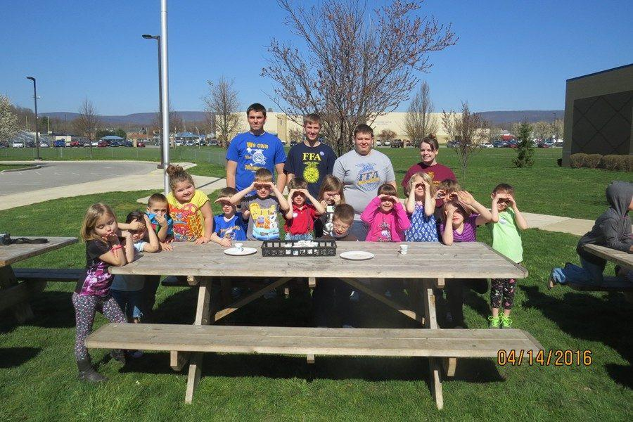 Ag students visited the elementary school to teach the younger kids.