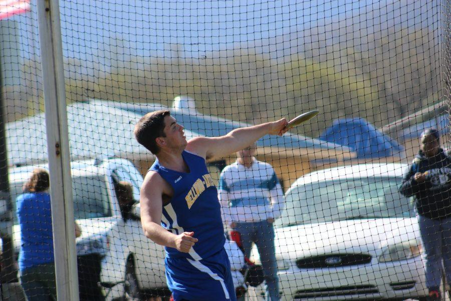 Tom+Whiteford+lets+one+fly+in+the+discus.