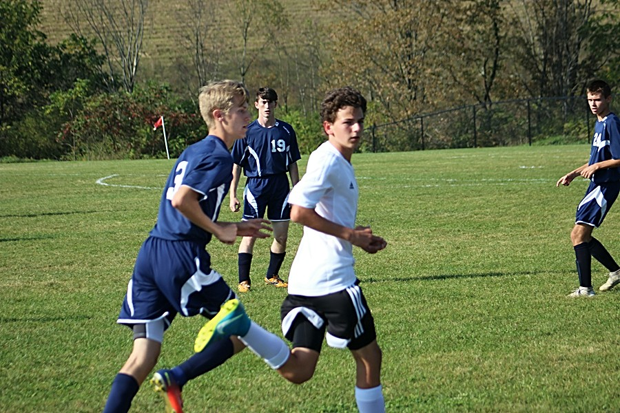 Owen+Shaulis+nd+the+soccer+team+struggled+to+score+goals+against+Penns+Valley.