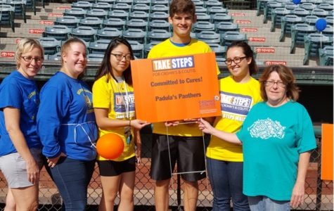 National Honor Society participates in Crohn's & Colitis Walk