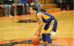 Tanner Worthing scored 10 against Glendale, one of three B-A players in double figures.