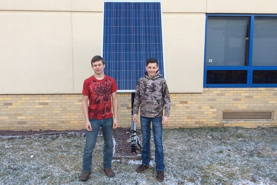 Kruz+Snyder+and+Skylar+Patton+have+been+working+on+perfecting+the+solar+panels+in+the+outdoor+classroom.