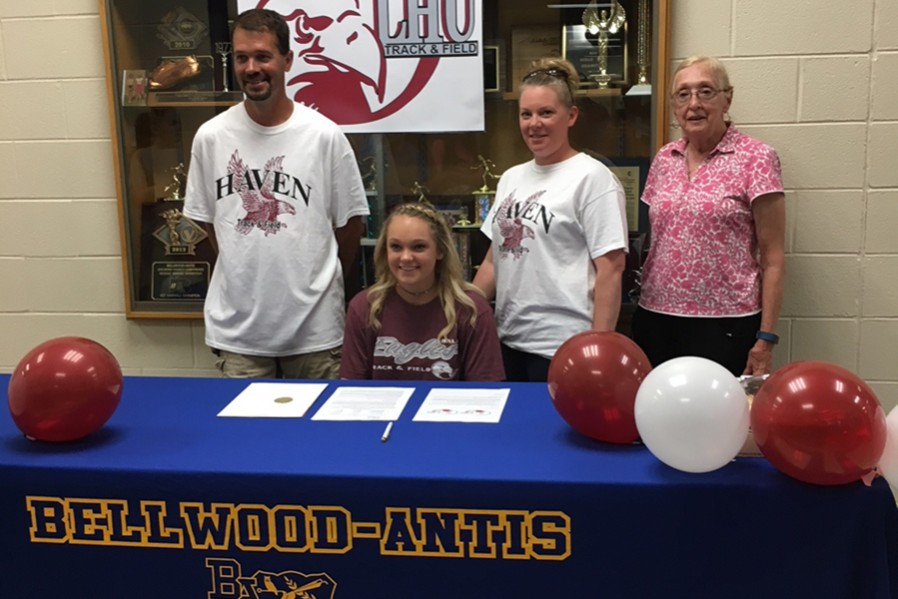 Alexis+Gerwert+signed+with+Lock+Haven+University+to+continue+her+career+as+a+pole+vaulter.