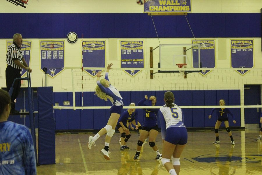 Kaelynn Behrens goes for the kill.