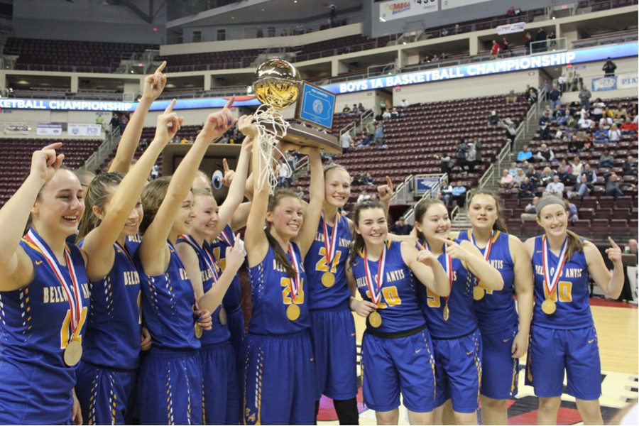 The girls  basketball team is back to defend its PIAA championship this season, seeking also an elusive District 6 crown.