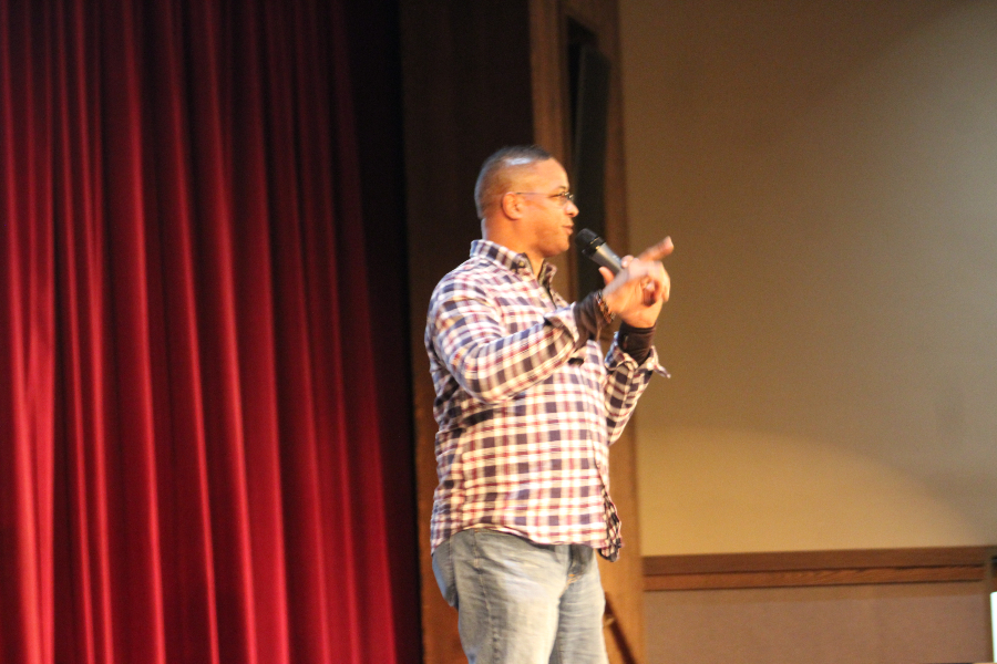 Roberto Clemente Jr. spoke to B-A middle school students on Monday.