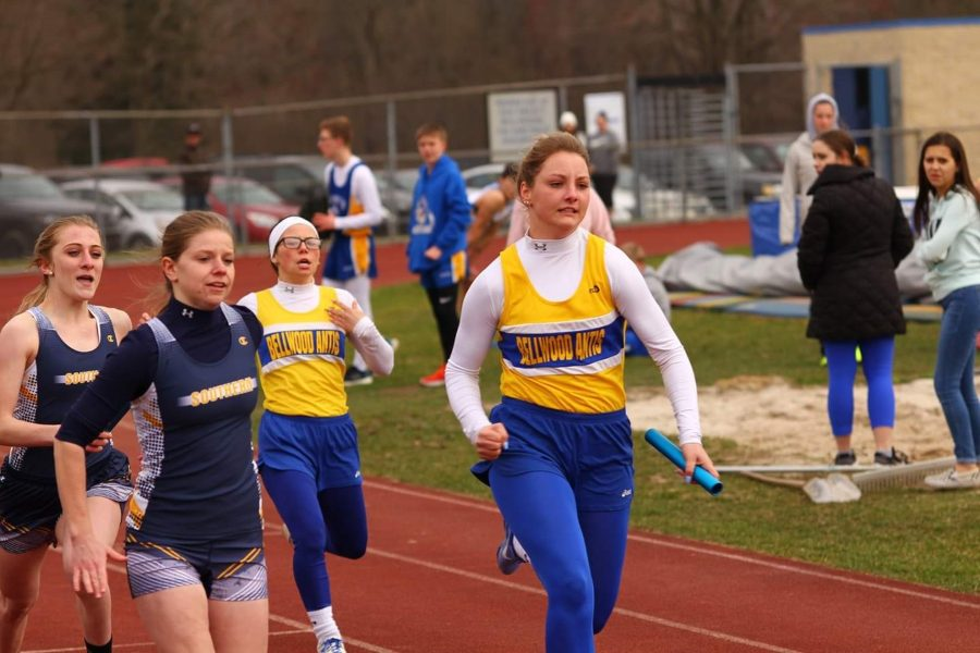 girls relay