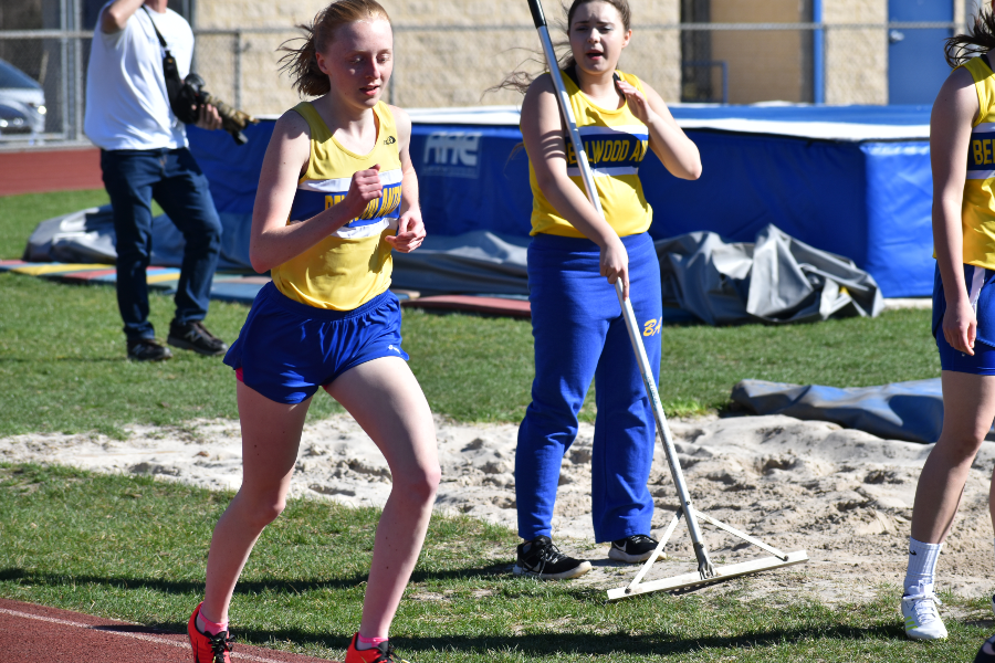 Jenna Bartlett won two events Thursday.