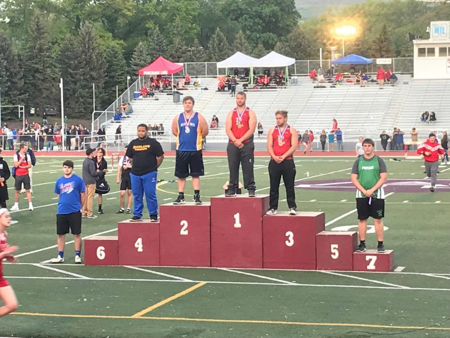 Joe+Wertz+took+second+in+the+shot+put+at+the+District+6+2A+championships+and+will+compete+in+states+next+week.