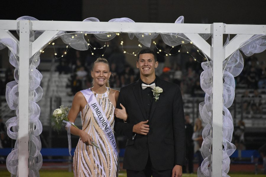 Alli+Campbell%2C+escorted+by+Travis+Luensmannn%2C+was+named+2019+Homecoming+queen+on+Friday.