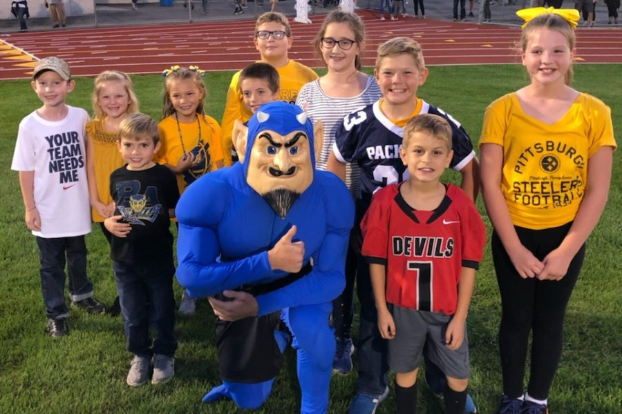 The football team honored eight Citizens of the Week at last weeks football game.