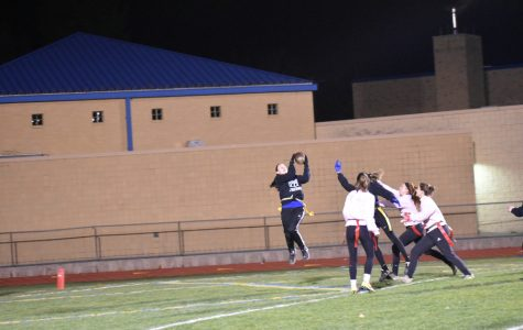 Juniors score on final play to win Powder Puff game