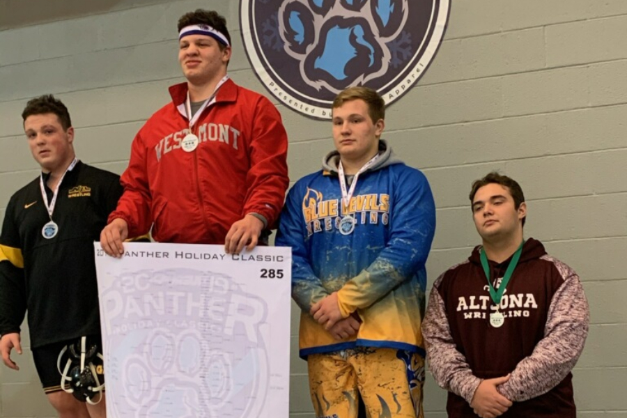 Evan Pellegrine continued his hot start to the season with a third-place finish in a huge team tournament over the weekend.