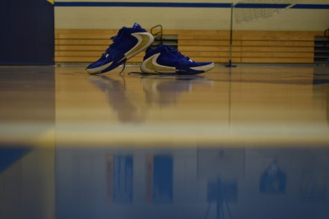 Basketball season means the release of plenty of popular basketball shoes.