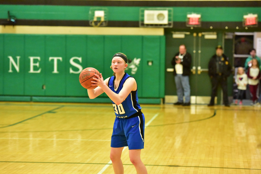 Chelsea McCaulsky had five assists in the win over Mo Valley.