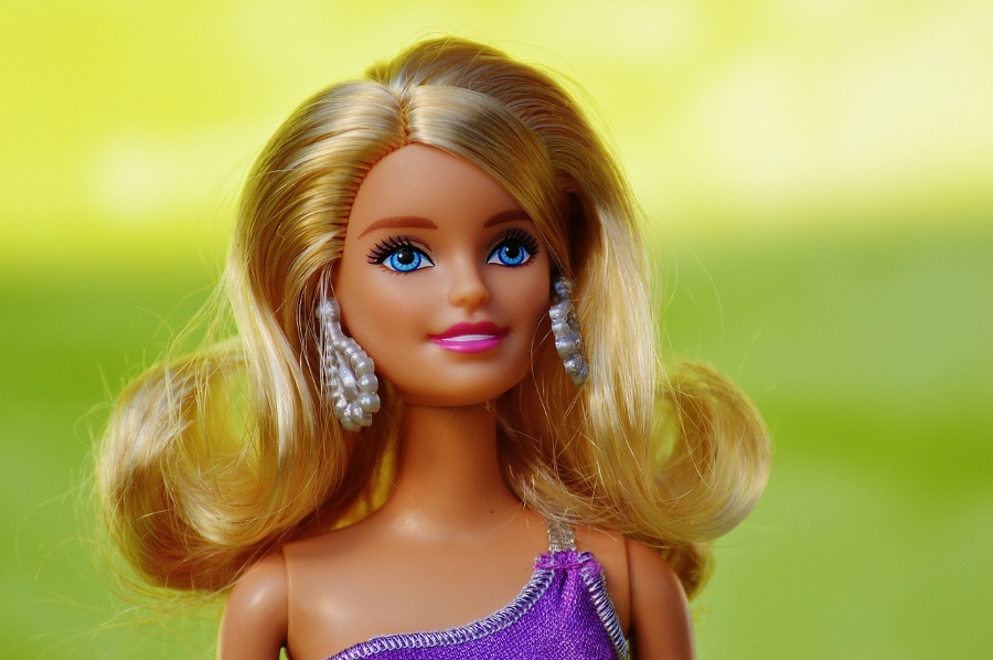 Kick+Barbie+and+other+annoying+toys+to+the+curb+on+Barbie+and+Barney+Backlash+Day.