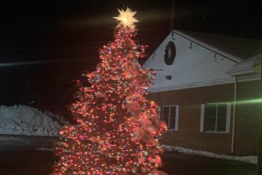The+Christmas+tree+lighting+ceremony+has+been+a+part+of+the+Bellwood+community+experience+for+seven+decades.