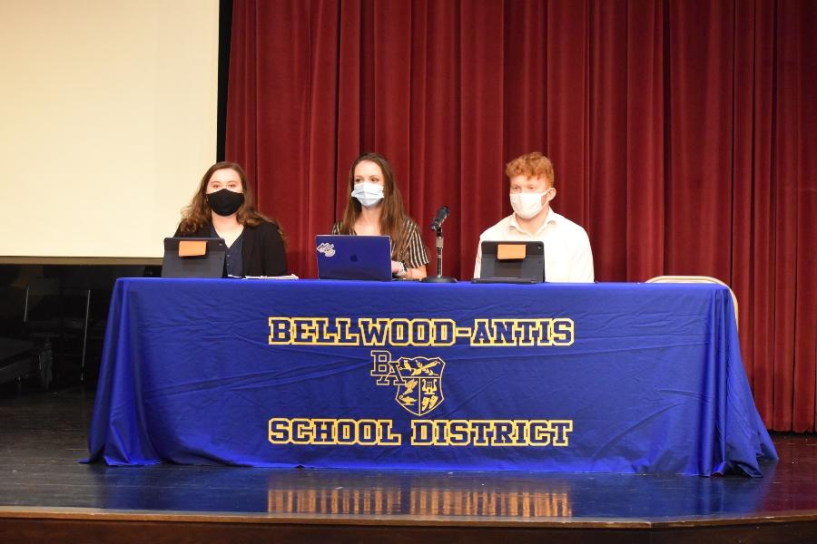 CHS schoolwide debates; March 19, 2021. (Gabriella Finn)