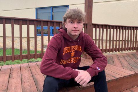 Senior Kenny Robison