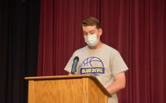Vince Cacciotti delivers his award-winning poem at the poetry slam.